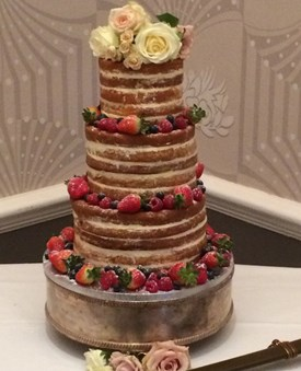 Naked wedding cakes by Cakes by Robin